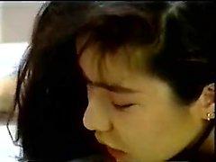 Giapponese slut pelosa perforazione di fica