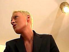 Короткие Блонд Волосы фрейлейн Босс
