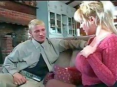 Heiße reife Frau wunderschönen Dick saugt und gefickt.
