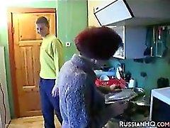 Geil russische Großmutter