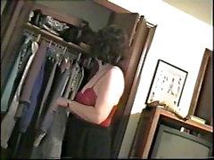 katsomassa vaimonsa irrota