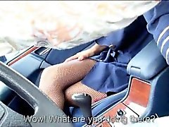 Сексуальный подросток FA да Кристен Courtney трахает чужим в машине