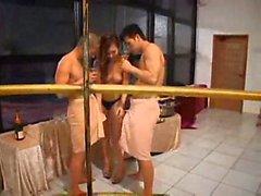 Japanische Gruppe Sex mit Muschi lecken und ficken