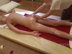 Blonde gets relaxing thai floor massage