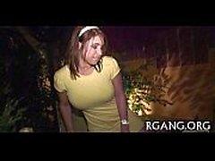 Homens Gang Bang mulheres bonitos rígidos