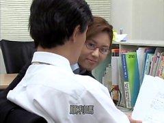 Ragazza giapponese amatoriale pompino e dita