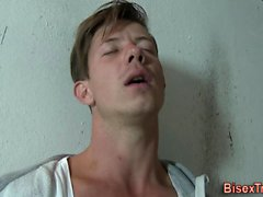 Bisex dude sucks cock