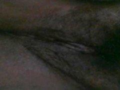 Herbst Perle pleasuring ihre haarige Pussy und große Tits
