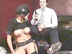 Romana Ryder haylaz tarafı ile a polis. alıcı Mesai ...