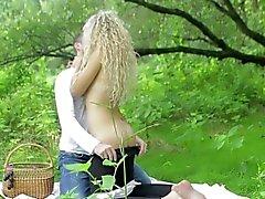 Mammen Passionen - Romantisches Fuck auf einer Picknickdecke