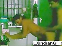 В Индийском любительских порно пары на кухню