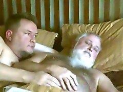 Papi maduros Gay- despertador