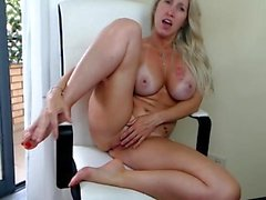 amateur big boobs blondine