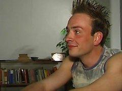 Немецкий учитель трахается с молодым б Дейл из дат25ком