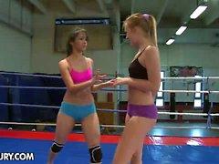 Nude Fight Club представляет: Голубой ангел VS Рут Медины