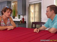 Cuckold Bro und Dad-Uhr Lana Rhoades nimmt BBC