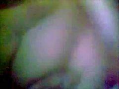 Bangladesh - ragazza lasciando da giocare con la figa