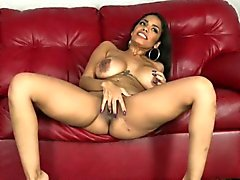 Thanksgiving-Cum on MILF Latina Gesicht