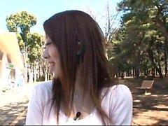 Играющая японский подросток детка