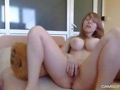 Naughty Big Tits Camgirl Показаны ее товары