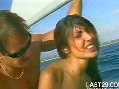 rien de tel qu'une la bite téter à bord du yacht