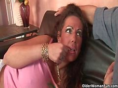 Mom gets fucked by thick cock