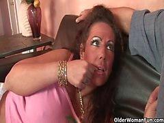 Mom bekommt von Dickschwanz gebumst