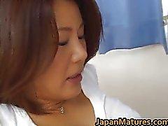 Geile rijpe Mio Fujiki Goes Wild voor
