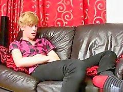 Emo мальчики разглядев нагой видео в Скачать бесплатно Twinks геем