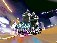 Hot MILF Kiara Mia gets turned on by hot black man