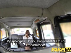 Fake Taxi Büro Mädchen in Strümpfen rimming Analsex