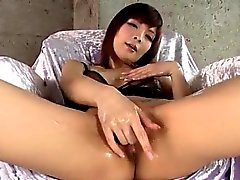 Riona Suzune suis étonné de ses coqs de compétences de succion