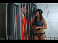 Hot Lisa Anns Gefängnis im Gefängnis