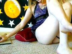 Sexy Blonde Kourtney Scarlett Solo Masturbación del coño
