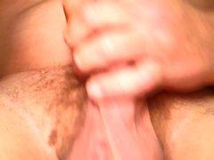 Gros plan masturbation et chant à plusieurs éjaculations