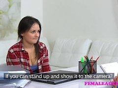 Weibliches Mittel Masturbation und sexy lesbische Pussy lecken