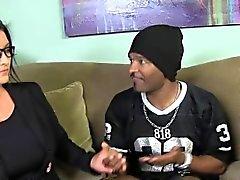 Yaz Rae ve Sammy Rae iri siyah sik paylaşmaktadır