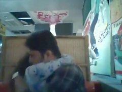 Bangladeshi BF & GF im Restaurant 1 voll auf hotcamgirls. im