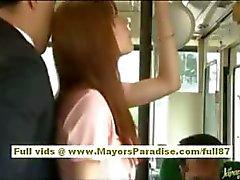 Rio asiatische Teen Babe bekommen ihre haarige Muschi liebkoste auf den Bus