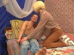 Söt, skinnig rysk tonåring Irina blir knullad