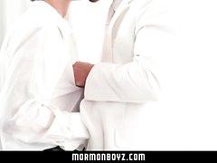 MormonBoyz - Mormonen haben dampfenden Sex im geheimen Raum