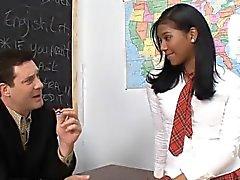 Otto Bauer och Emy Reyes knulla i klassrum