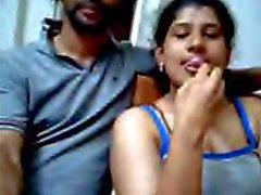 Ajay sekä Raveena intialaisia verkkokamerakuvaan parin