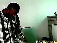 Caldi Nero Gay Gangsta fanno penetrazione anale cazzo all'aperto