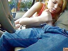 Tight Teen Dakota Skye naulata paikka autossa