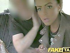 FakeTaxi - брюнетка с татуировкой и пирсинга