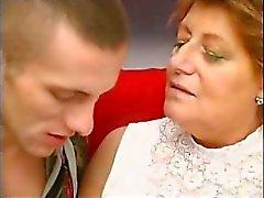 büyükanne olgun sarışın