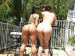 Squirting kärleksfulla brunett slampor roligare i sol