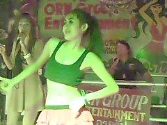 El bailarín tailandés Sexy