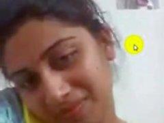 bangladeshilainen tytön kultaseni joka osoittaa rinnat ja pillua Dating